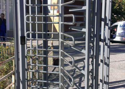 Роторна врата с пълна височина